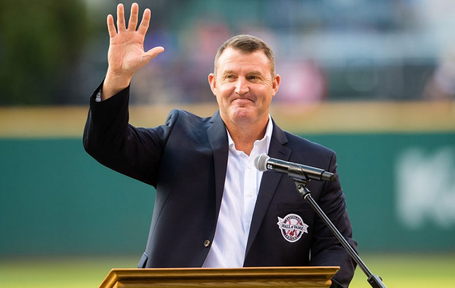 Jim Thome acknowledges Cleveland fans while being inducted into the Indians Hall of Fame in 2016 (Getty Images).
