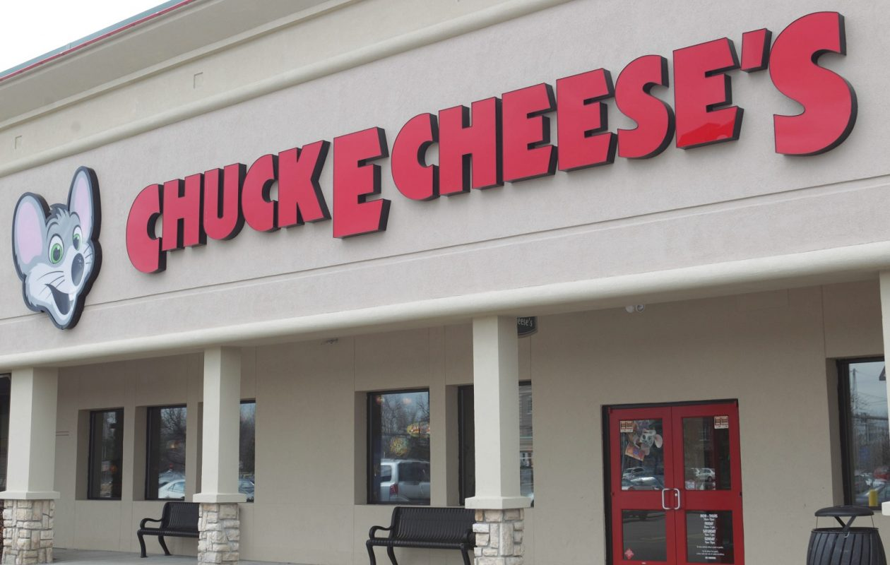 Amherst officials have renewed the game room license for the Chuck E. Cheese's on Harlem Road.(Sharon Cantillon/News file photo)