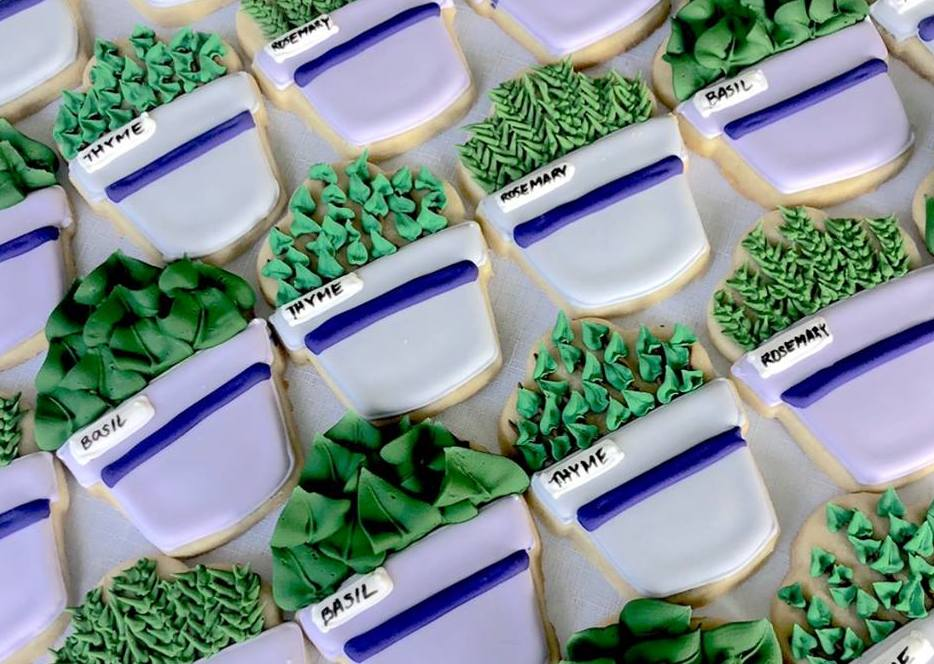 Amanda Bernardini started her Mundy Cakes business with ornate decorated sugar cookies. (Mundy Cakes)