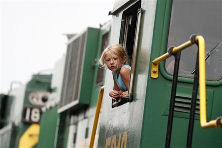 Fair train arrives in Hamburg