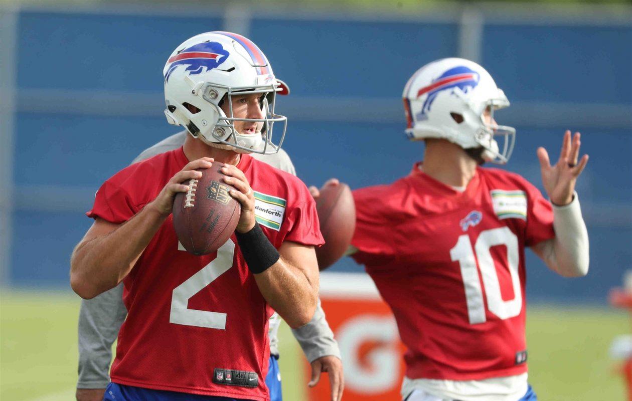 Buffalo Bills quarterbacks AJ McCarron and Nathan Peterman throw. (James P. McCoy/Buffalo News)