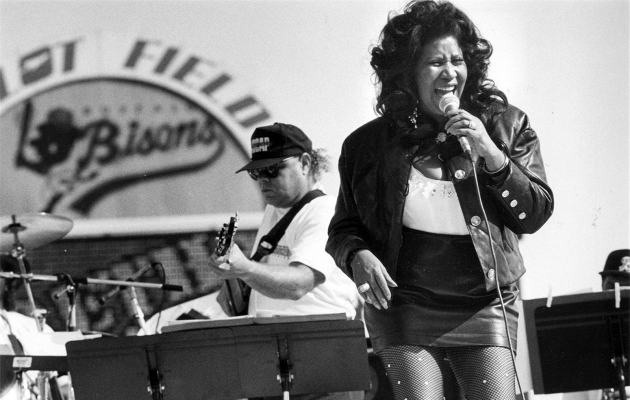 Aretha Franklin performs at the then-Pilot Field in Buffalo, 1991. (The Buffalo News/file art)