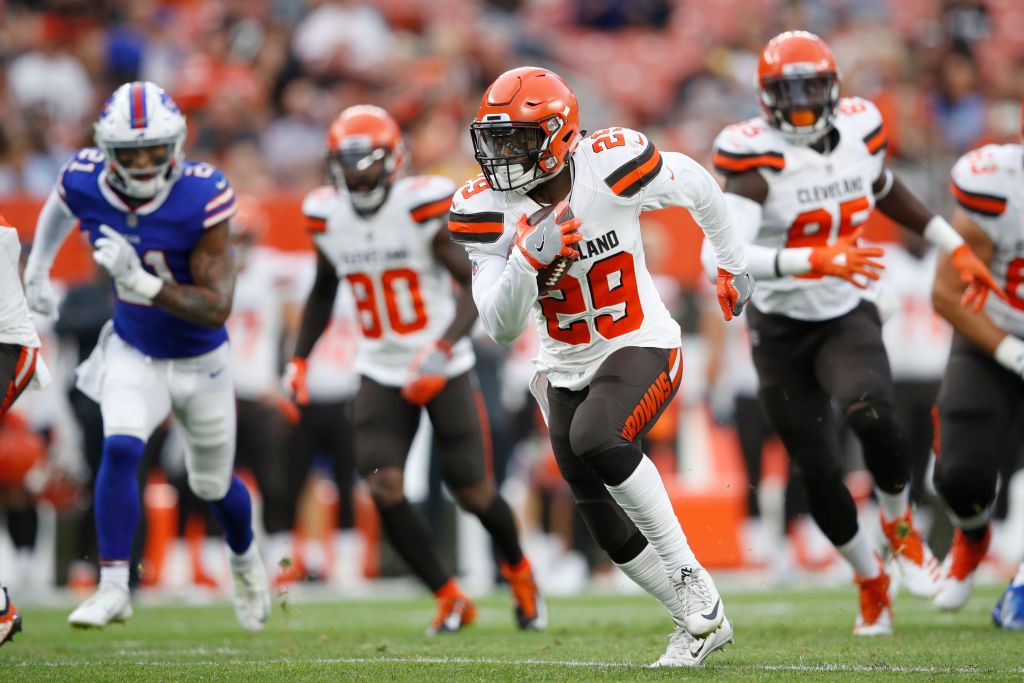 Duke Johnson Jr. #29 of the Cleveland Browns runs the ball in the first quarter of a preseason game against the Buffalo Bills at FirstEnergy Stadium on August 17, 2018 in Cleveland, Ohio. (Photo by Joe Robbins/Getty Images)