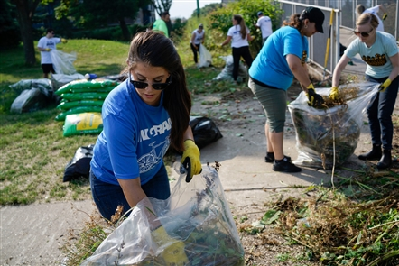 The 2018 United Way Day of Caring is the largest one-day volunteer event in Western New York, with 3,000 volunteers from 110 organizations tackling 173 projects in an effort to make our community a bit nicer.