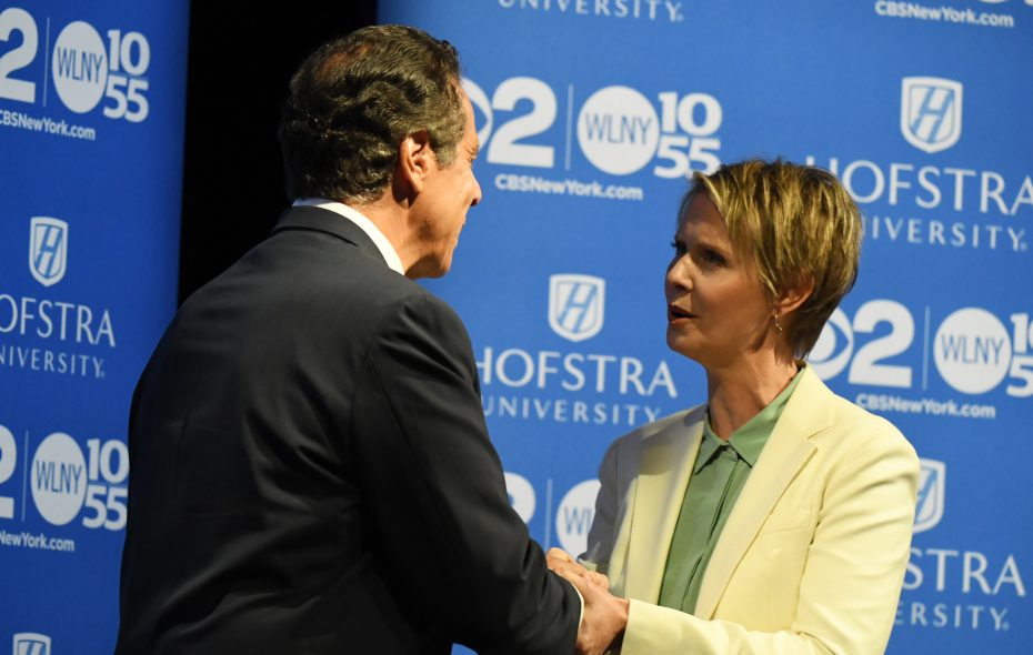 Gov. Andrew M. Cuomo and Cynthia Nixon arrives and shake hands at Hofstra University in Hempstead on Wednesday for the Democratic gubernatorial primary debate on Aug.29, 2018. (Courtesy of Newsday)