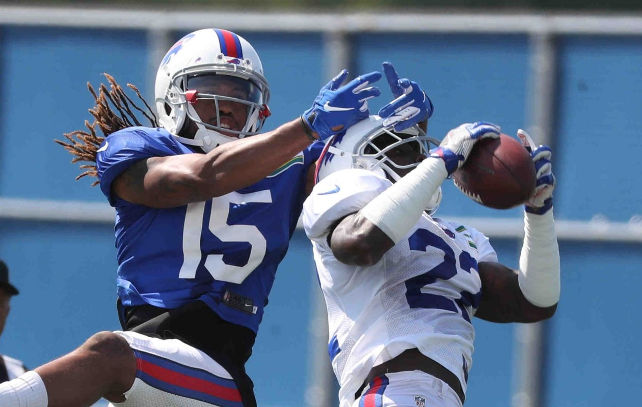 Bills defensive back Vontae Davis breaks up a pass intended for wide receiver Kaelin Clay during practice. (James P. McCoy/Buffalo News)