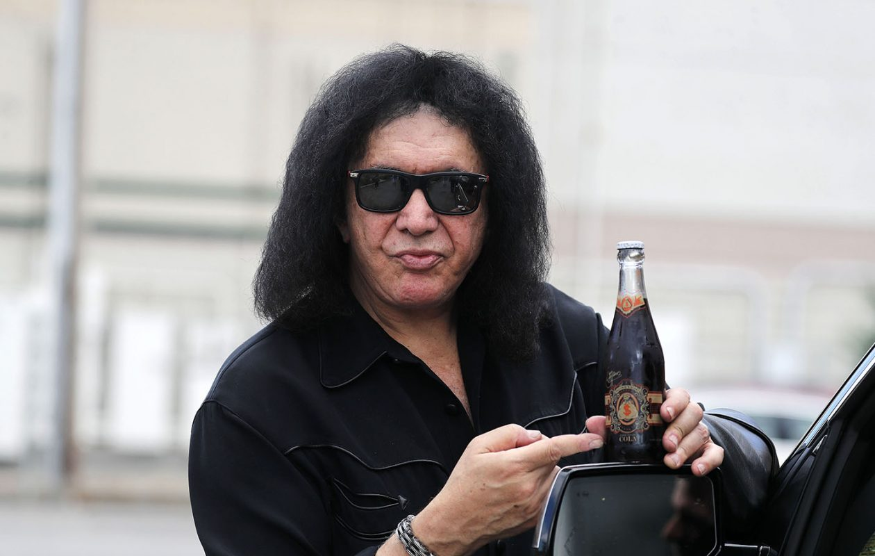Gene Simmons with his MoneyBag Soda. (Mark Mulville/Buffalo News)