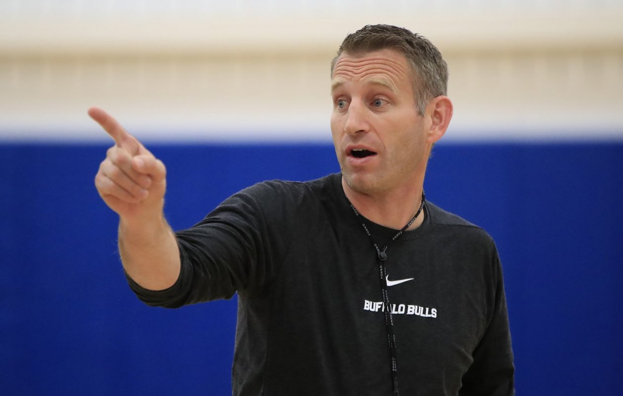 UB coach Nate Oats continues to bring in top recruits. (Harry Scull Jr./News file photo)