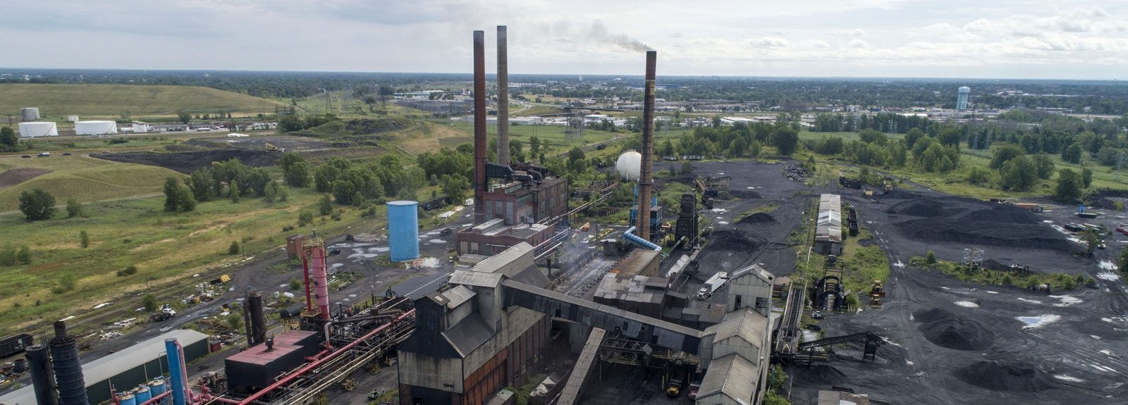 Tonawanda Coke facility on River Road. (Derek Gee/News file photo)
