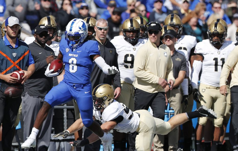 K.J. Osborn is the leading receiver for the UB football team, which plays at 7 p.m. Wednesday at Ohio University. (Mark Mulville/News file photo)