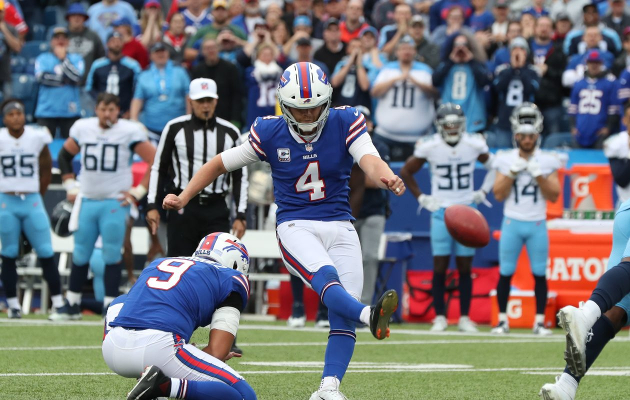 Kicker Stephen Hauschka and linebacker Lorenzo Alexander called a meeting this week to address the Bills' special teams. (James P. McCoy/News file photo)