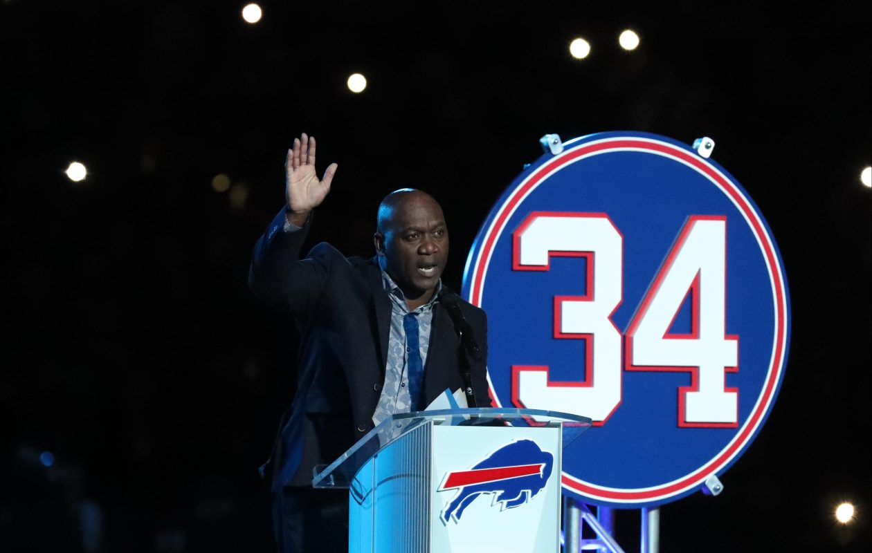 Thurman Thomas: A Football Life concludes with his jersey retirement  (James P. McCoy/Buffalo News)