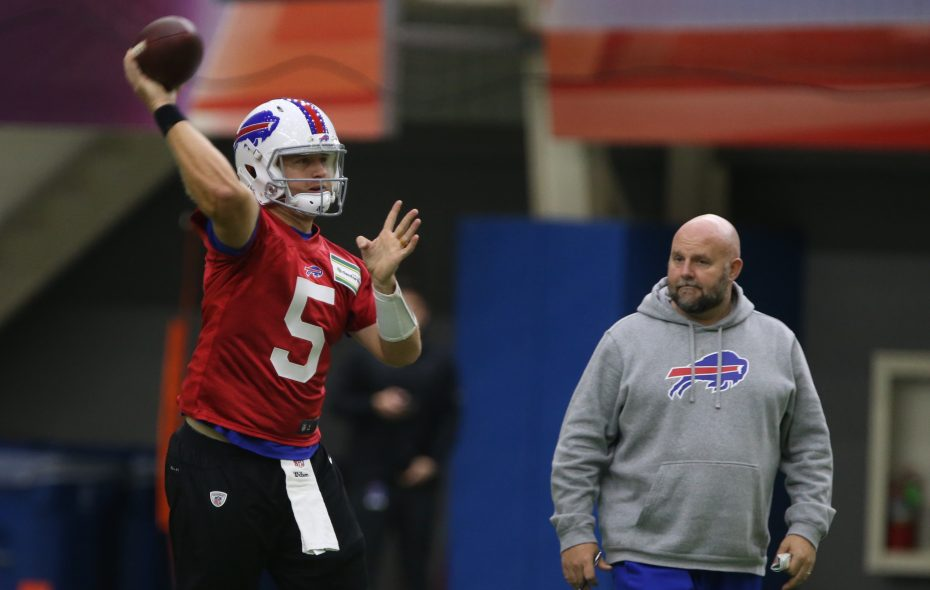 Quarterback Matt Barkley, left, who signed with the Bills as a free agent, throws a pass in front of the watchful eyes of offensive coordinator Brian Daboll. (John Hickey/Buffalo News)