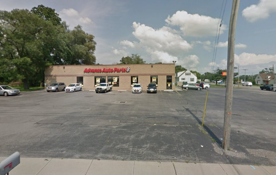 This Advance Auto Parts store in the Town of Niagara was purchased by a Massachusetts investor. (Google)