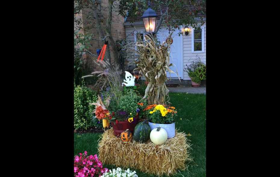 Readers voted Courtney Gorman's fall vignette their top choice. (Photo courtesy Courtney Gorman)
