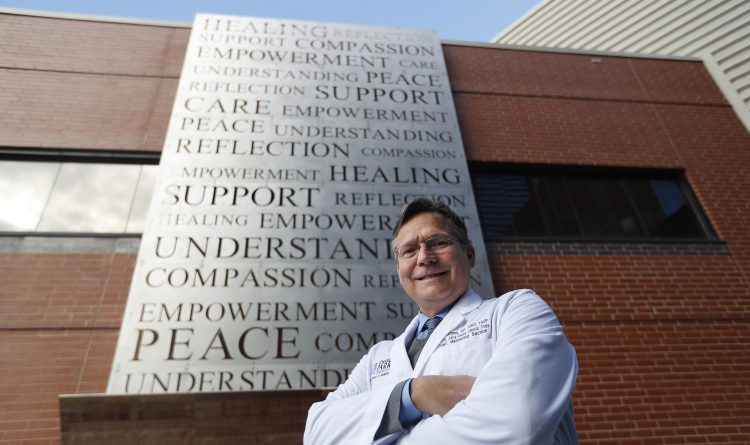 In battle to find melanoma cure, Roswell Park oncologist is on the front