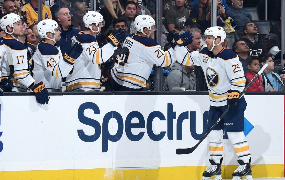 The Sabres' bench greets Jason Pominville (29) after his first-period goal opened the scoring Saturday in Los Angeles (Getty Images).