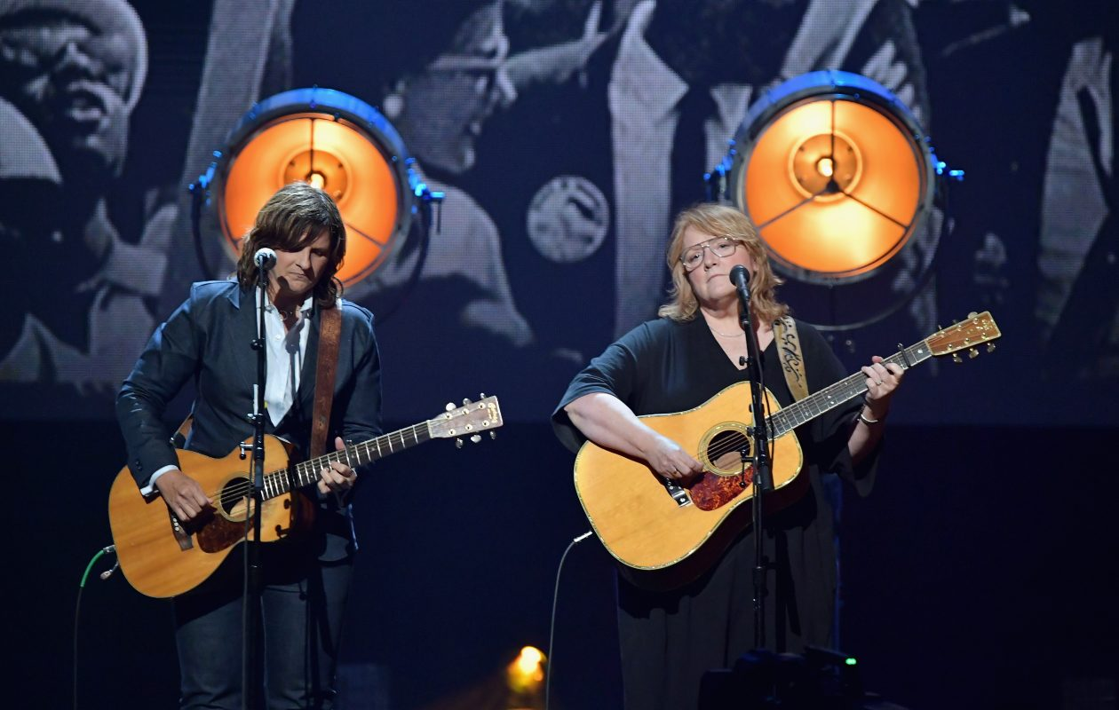 Musicians Amy Ray (L) and Emily Saliers of Indigo Girls perform onstage at the 32nd Annual Rock & Roll Hall Of Fame Induction Ceremony in 2017 in New York City. (Getty Images)