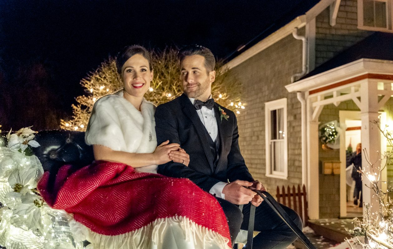 Erin Krakow And Niall Matter Return In Marrying Father Christmas On Hallmark Movies