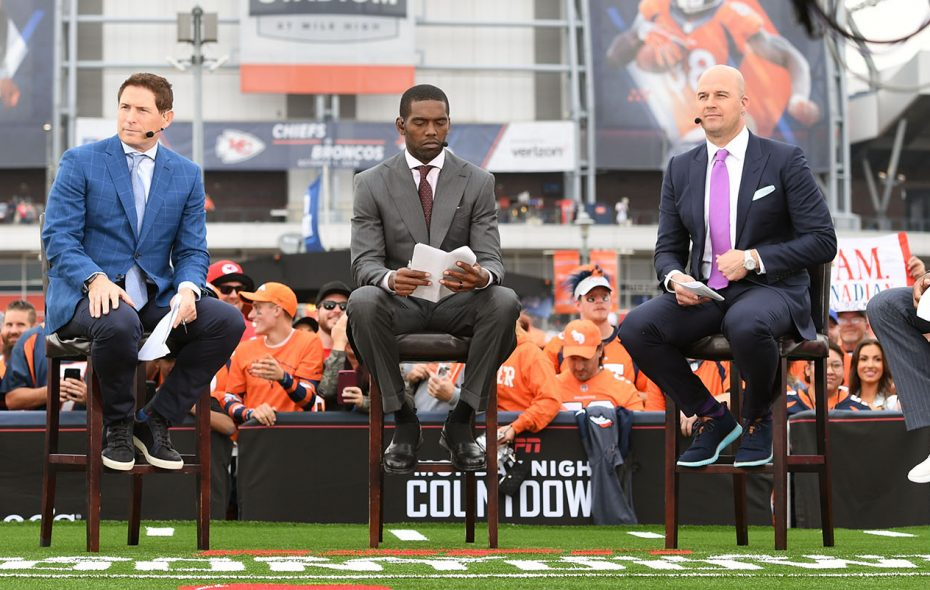 Suzy Kolber, Steve Young, Randy Moss, Matt Hasselbeck and Charles Woodson on the set of Monday Night Countdown. (Eric Lars Bakke/ESPN Images)