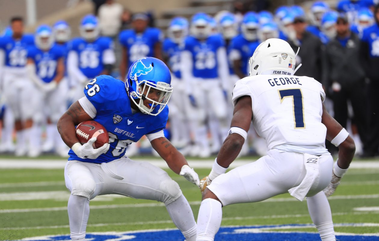UB running back Jaret Patterson ran for two touchdowns as the Bulls clinched the MAC East Division title Saturday at Bowling Green. (Sharon Cantillon/News file photo)