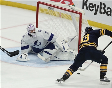 The Buffalo Sabres held off the Tampa Bay Lightning 2-1 Tuesday night in KeyBank Center, bringing their record to 10-6-2.