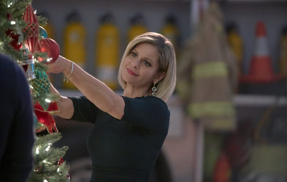 """Candace Cameron Bure returns in the new Hallmark holiday film, """"A Shoe Addict's Christmas.""""     (Credit: ©2018 Crown Media United States LLC/Photographer:Steven Ackerman)"""