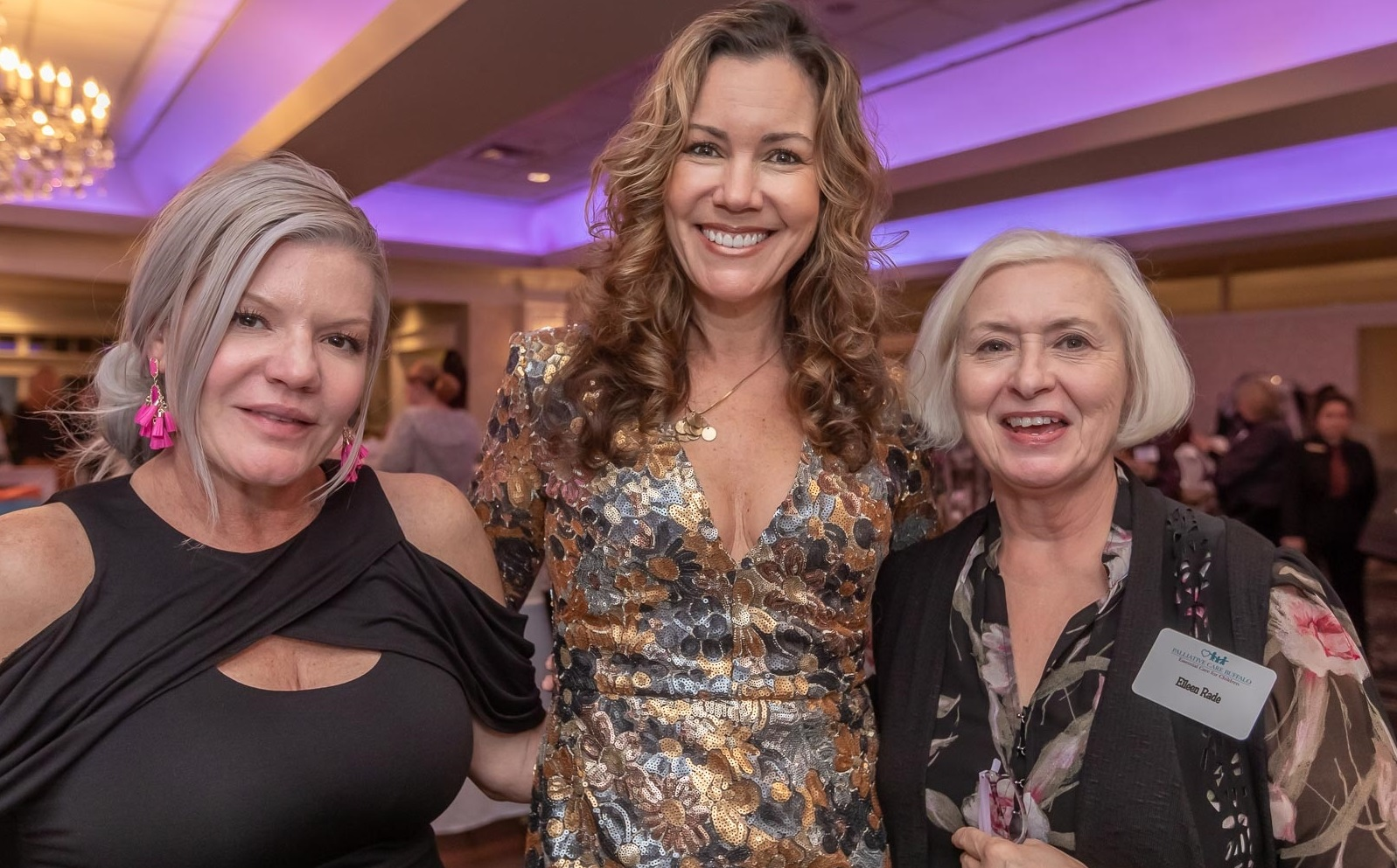 A Hospice Buffalo fundraiser - Bubbles and Bags - ran on Wednesday, Nov. 14, 2018, in Orchard Park Country Club. Guests perused holiday gifts from local vendors and enjoyed one complimentary drink with admission. See who supported the cause.