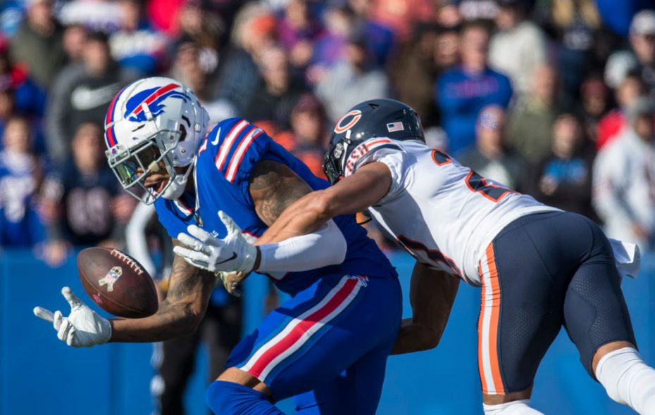 Terrelle Pryor bobbles a pass as he is tackled by Kyle Fuller #23 of the Chicago Bears, Adrian Amos #38 (not pictured) intercepted the pass during the second quarter at New Era Field on November 4, 2018 in Orchard Park, New York.  (Photo by Brett Carlsen/Getty Images)