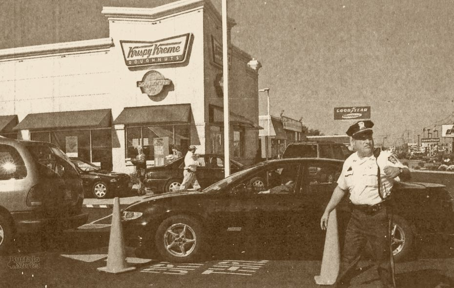 Police direct traffic as Krispy Kreme opens  on Niagara Falls Blvd. in Tonawanda, 2000.