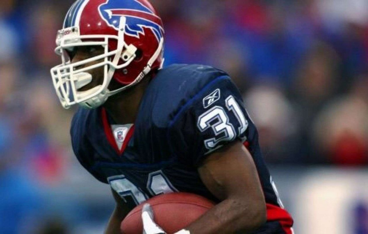 Charlie Rogers returned kicks and punts for the Bills in 2002. (Getty Images)