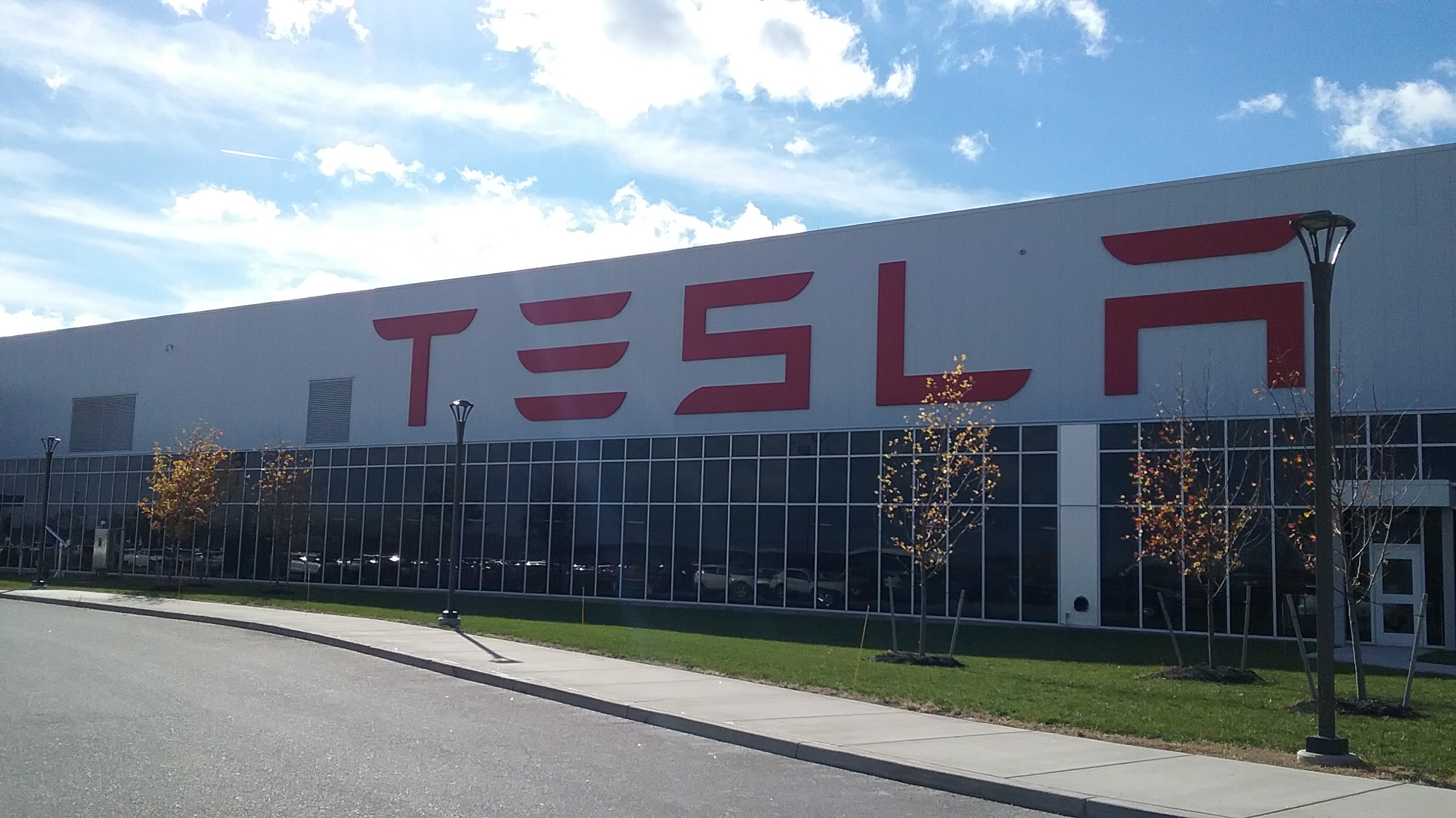 Tesla plans to cut 7 percent of its jobs