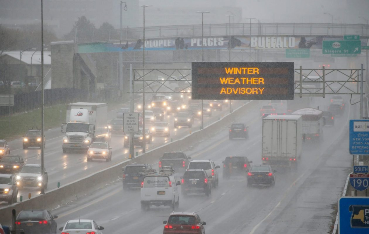 A winter weather advisory is posted for parts of Western New York, including metro Buffalo through 10 p.m.  (Derek Gee/Buffalo News)