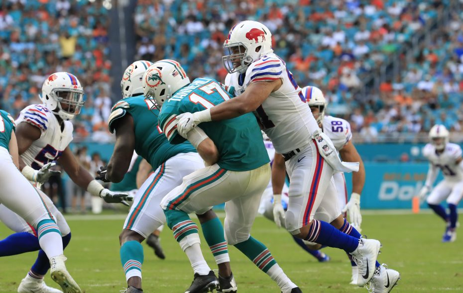 Bills linebacker Lorenzo Alexander had 6.5 sacks in 2018. (Harry Scull Jr./News file photo)