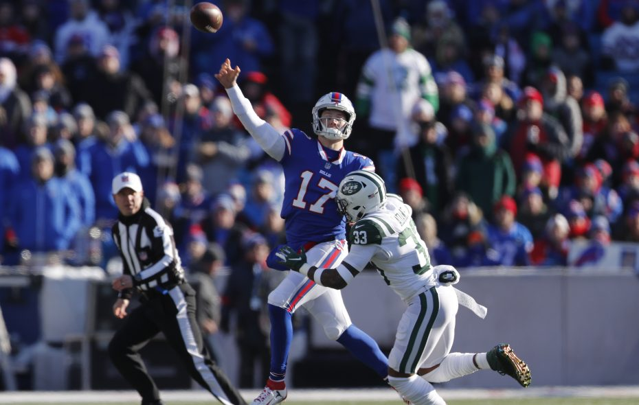 Former NFL quarterbacks will get a chance to analyze Buffalo Bills Josh Allen during Bills game in the coming weeks. (Mark Mulville/Buffalo News)