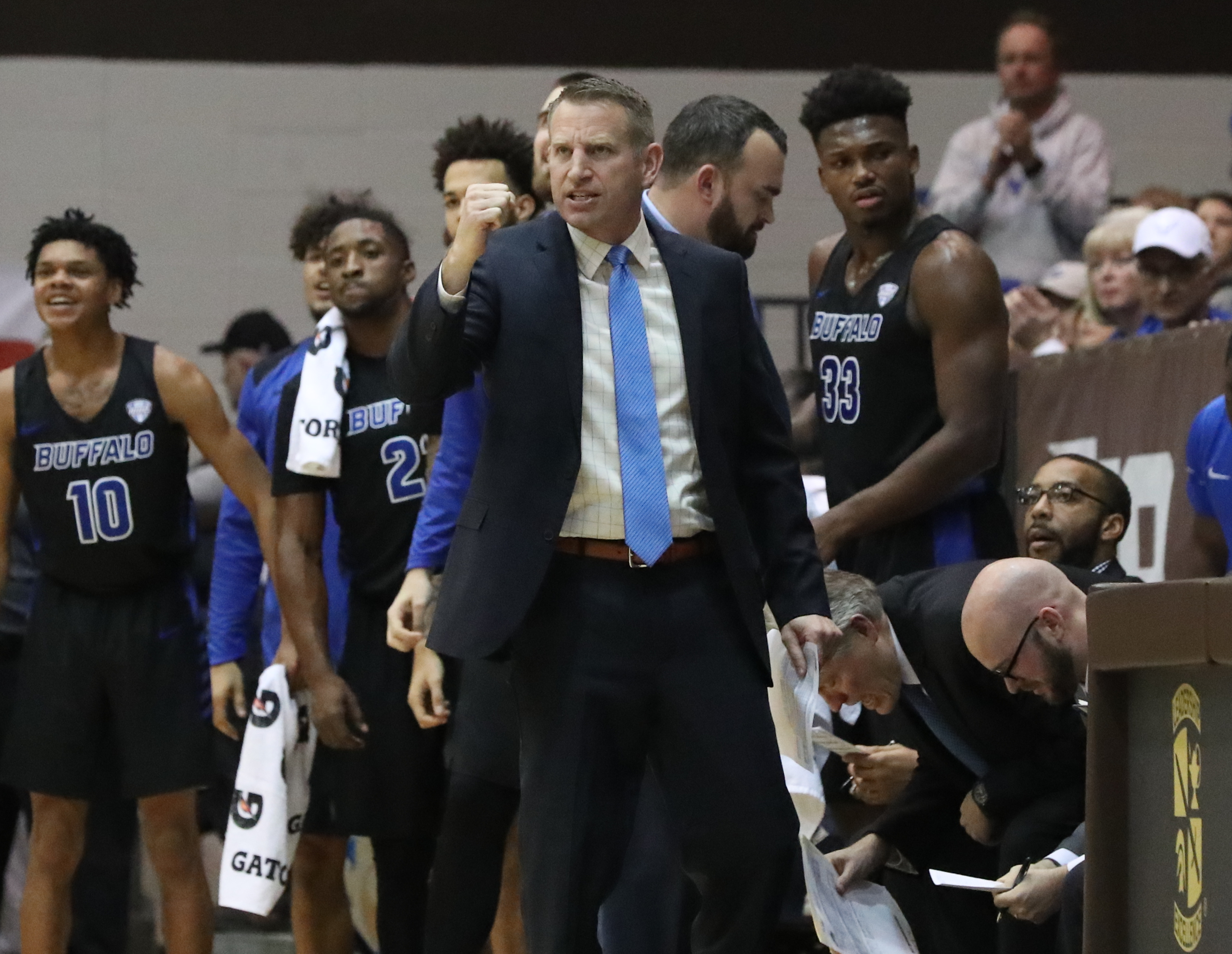 UB coach Nate Oats gets Bona fans' attention with tweet