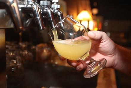 Bottle Rocket Beer Reserve: Bar feature