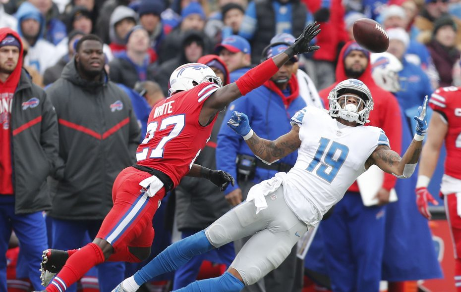 Detroit Lions' Kenny Golladay makes a catch on Buffalo Bills' Tre'Davious White in the second quarter. (Mark Mulville/Buffalo News)
