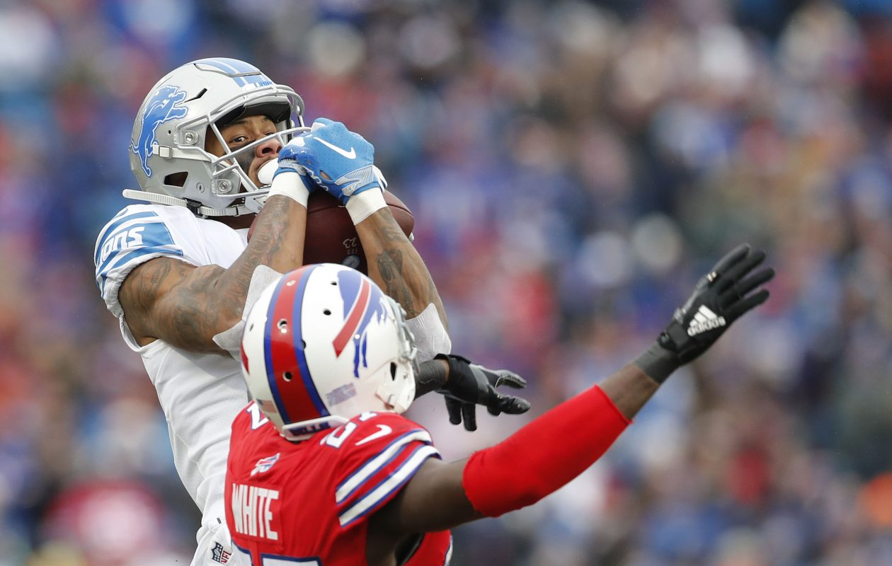 Lions' Kenny Golladay makes a catch on Bills' Tre'Davious White in the second quarter at New Era Field. (Mark Mulville/Buffalo News)