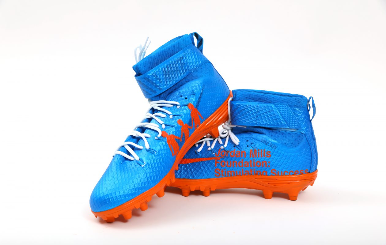 The customized cleats Bills right tackle Jordan Mills will wear Sunday  against the New York Jets 68a9e0f13