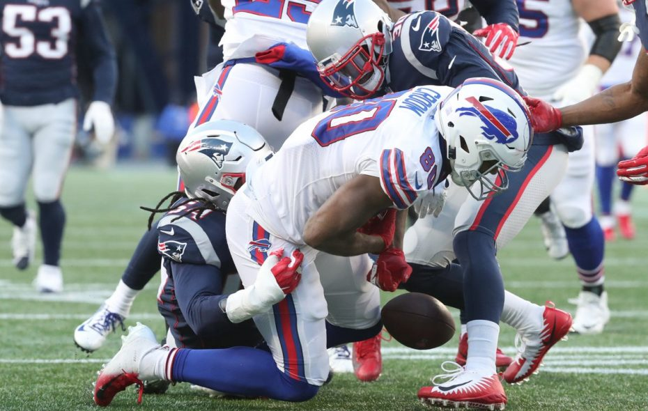 Bills tight end Jason Croom lost two fumbles last year on just 22 catches. (James P. McCoy/Buffalo News)