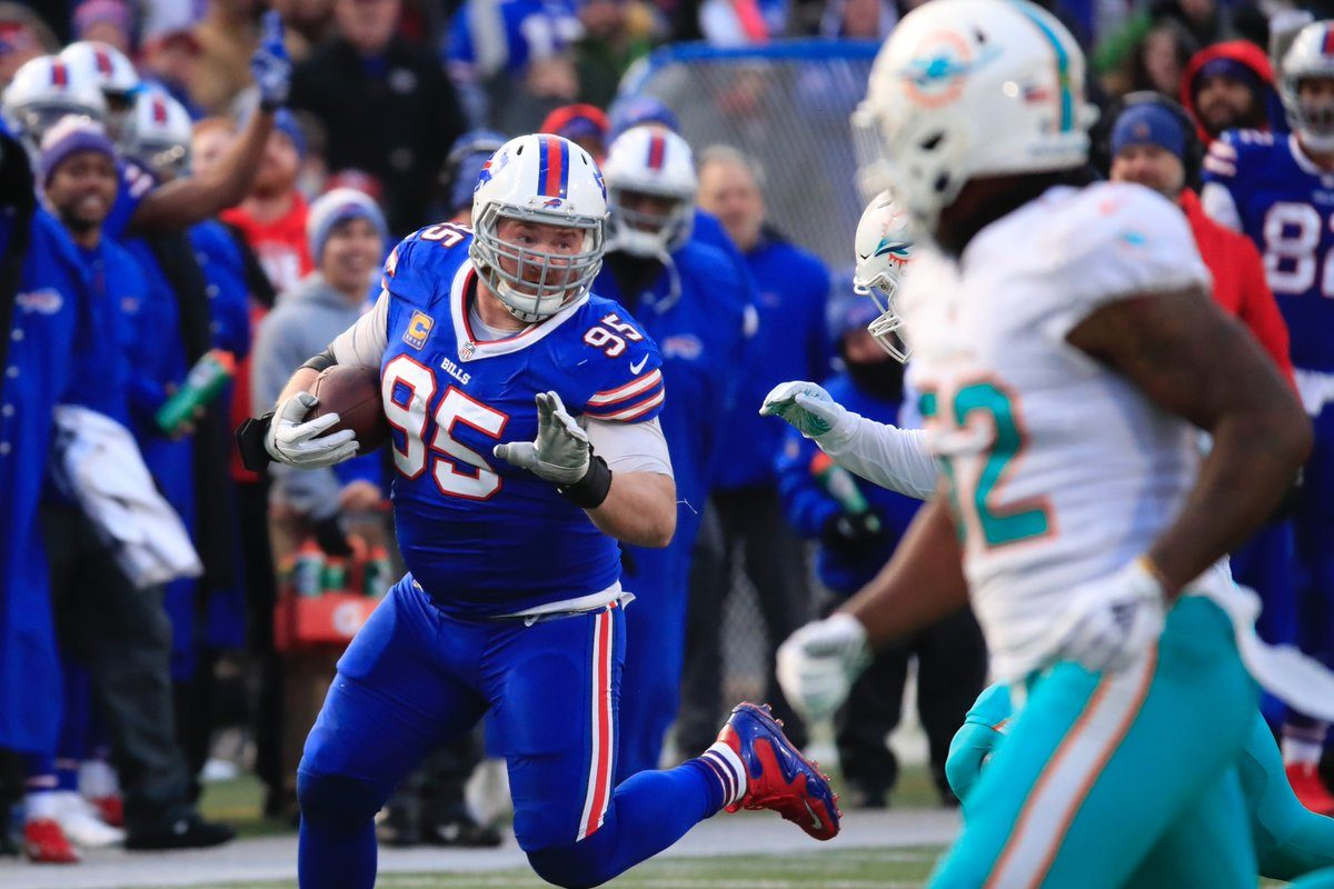 Bills' Kyle Williams made the first reception of his career on Sunday against the Dolphins. (Harry Scull Jr./Buffalo News)