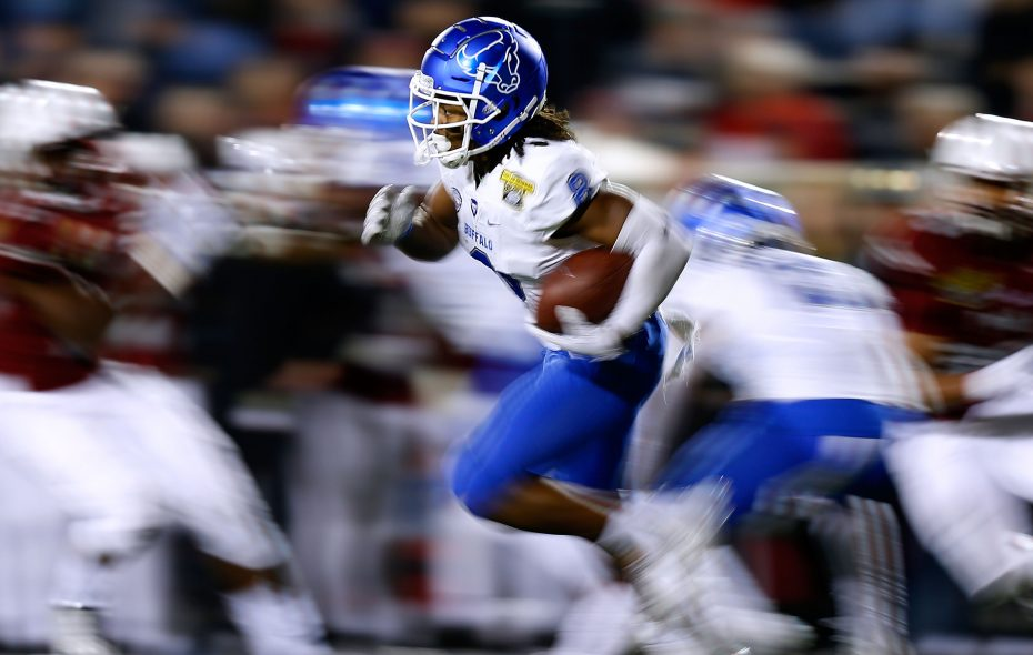 K.J. Osborn of UB runs during the first half of the Dollar General Bowl. (Getty Images)
