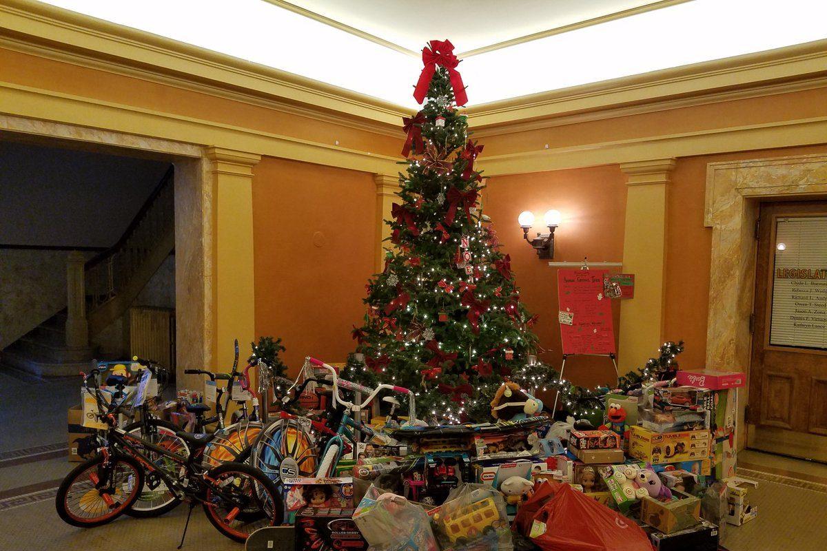 The Giving Tree at the Niagara County Courthouse in Lockport Dec. 11, 2018. (Thomas J. Prohaska/Buffalo News)