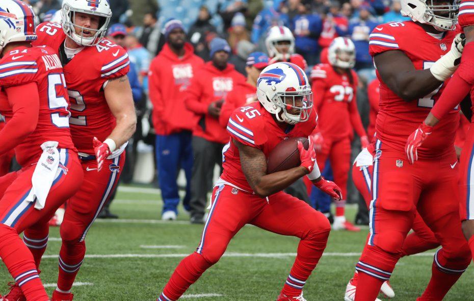 Bills running back Marcus Murphy (45) runs with the ball during warmups on Sunday, Dec. 16, 2018.  (James P. McCoy/Buffalo News)