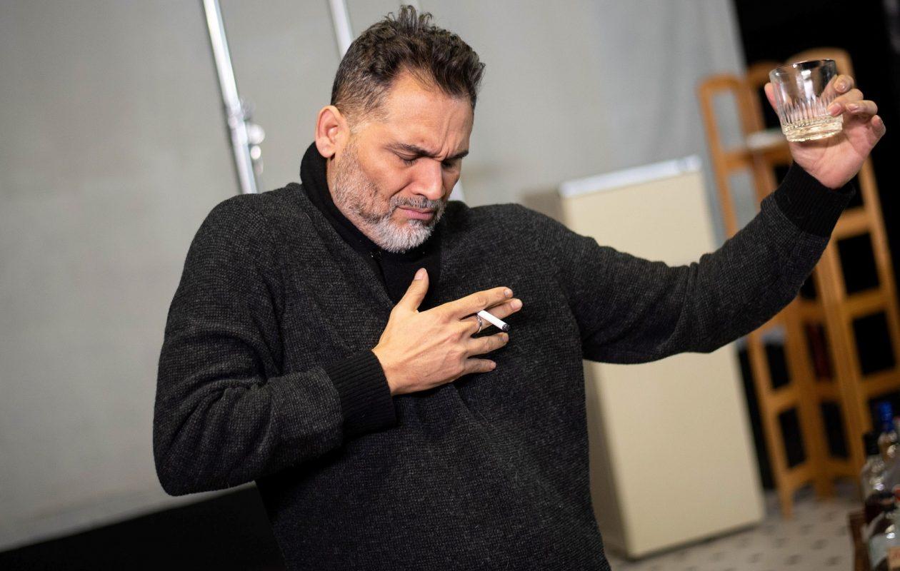 Raices Theatre presents Rolando Martin Gómez in 'Barcelo on the Rocks.' (Photo credit Rafael C. Mencia )
