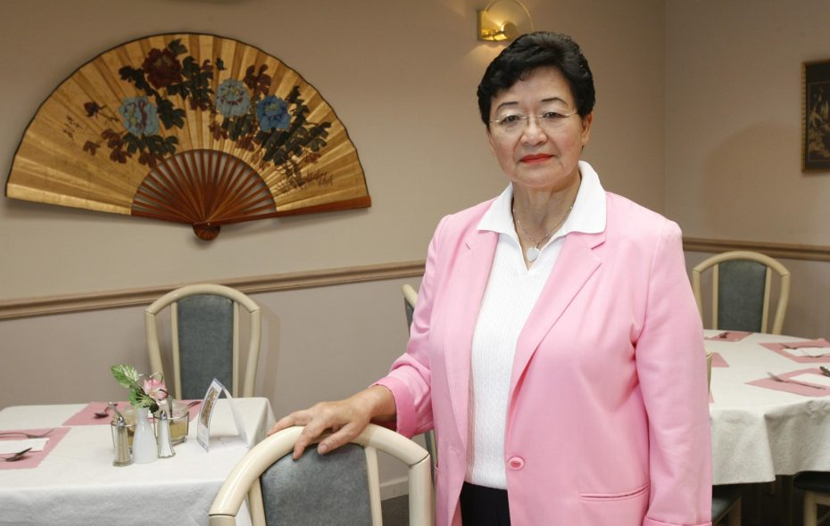 Veteran cancer researcher and May Jen owner Susan Leong posed in her dining room in 2008. (Sharon Cantillon/Buffalo News file photo)