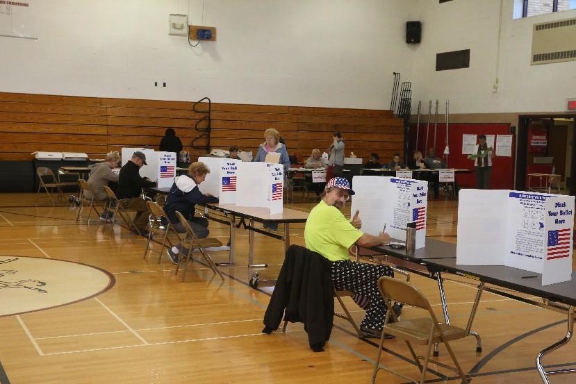New Yorkers would no longer have to show up at the polls on a set day under a series of voting reforms being pushed by a statewide coalition of community and good-government organizations. (John Hickey/News file photo)