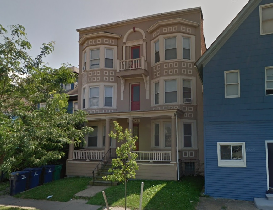 The six-unit apartment building at 439 W. Ferry. (Google)