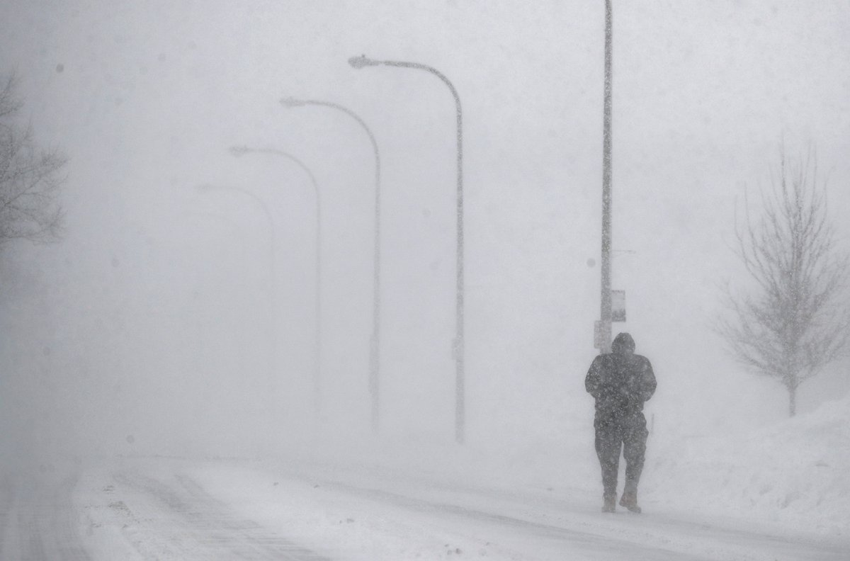 A blizzard warning was posted by the National Weather Service early this afternoon for Erie County. It's expected to run through 1 a.m. Thursday. Metro Buffalo is included under the warning. (Mark Mulville/Buffalo News)